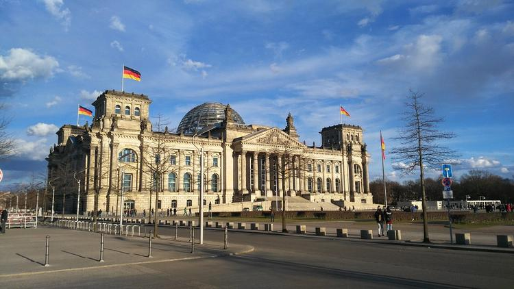ФРГ: российские шпионы пытались завербовать депутатов Бундестага