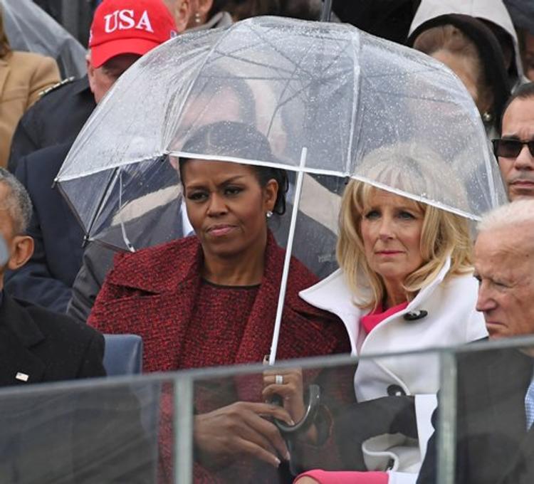 Презрительное лицо Мишель Обамы стало еще одним мемом инаугурации Трампа (ФОТО)