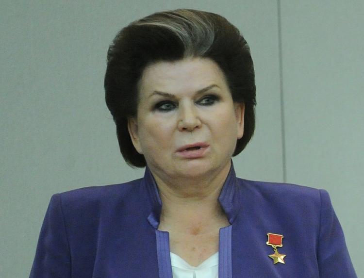 Терешкова зовет депутатов в космонавты