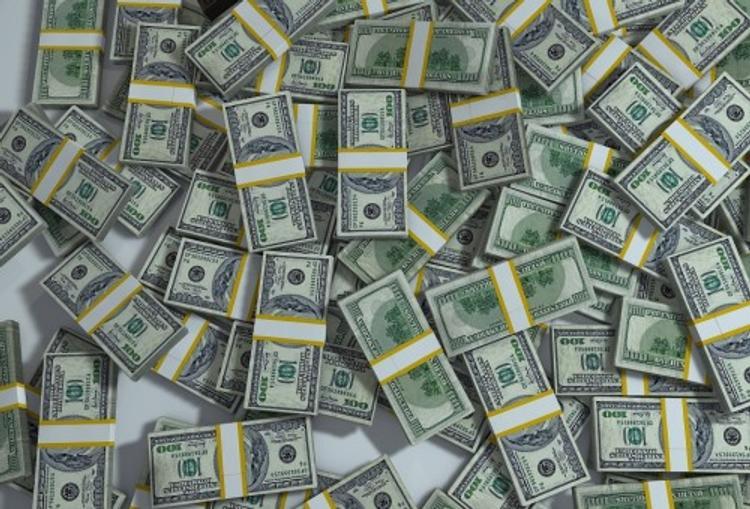 Эксперты подсчитали, сколько в России долларовых миллионеров