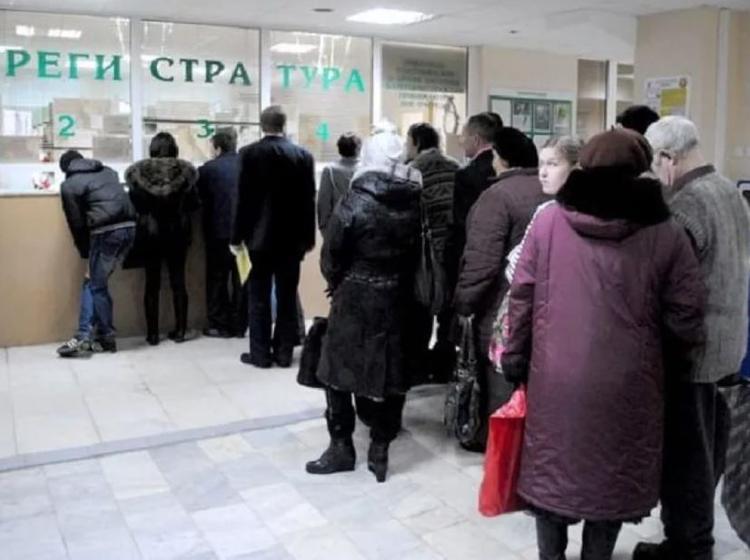 Путин потребовал избавить россиян от хамства и очередей в поликлиниках