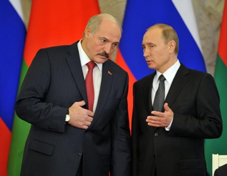 Лукашенко поздравил Путина с Днем единения народов