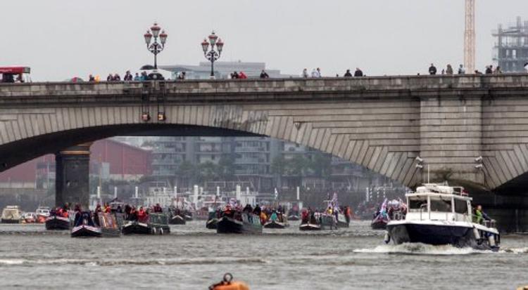 В Темзе обнаружили бомбу времен Второй мировой войны