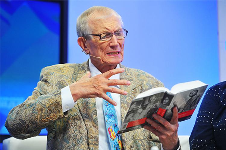 Евгений Евтушенко будет похоронен рядом с Борисом Пастернаком