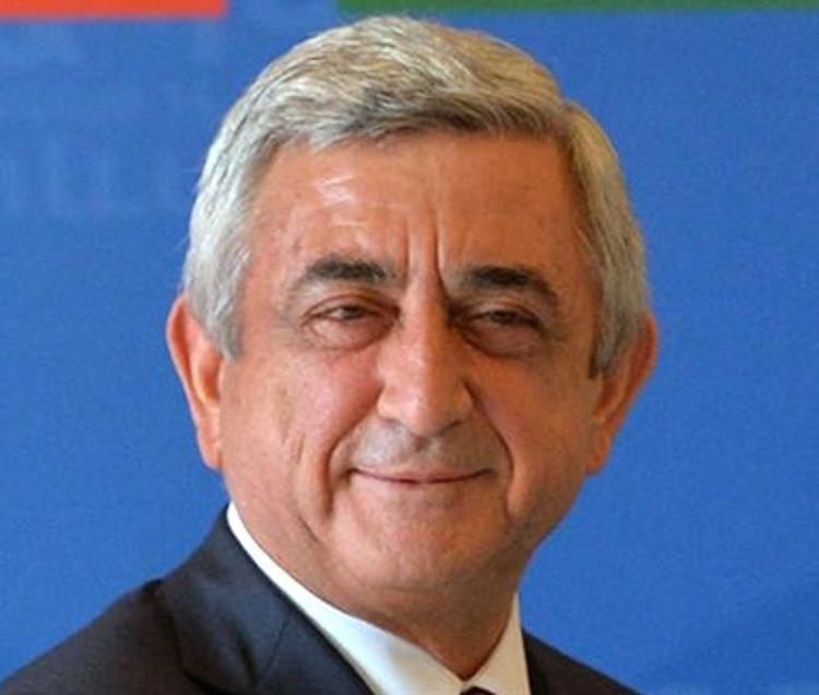 Отпечатки пальцев президента Армении не распознала техника на выборах