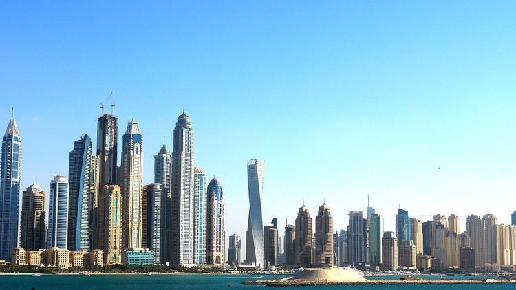 В Дубае вспыхнул один из небоскребов (ВИДЕО)
