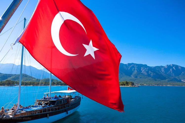 Петербуржцы на майские выходные собираются в Турцию