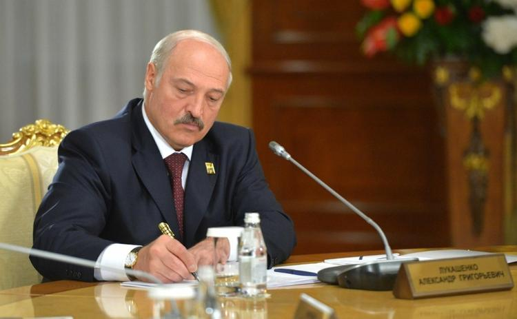 Отношение россиян к Лукашенко выяснили социологи