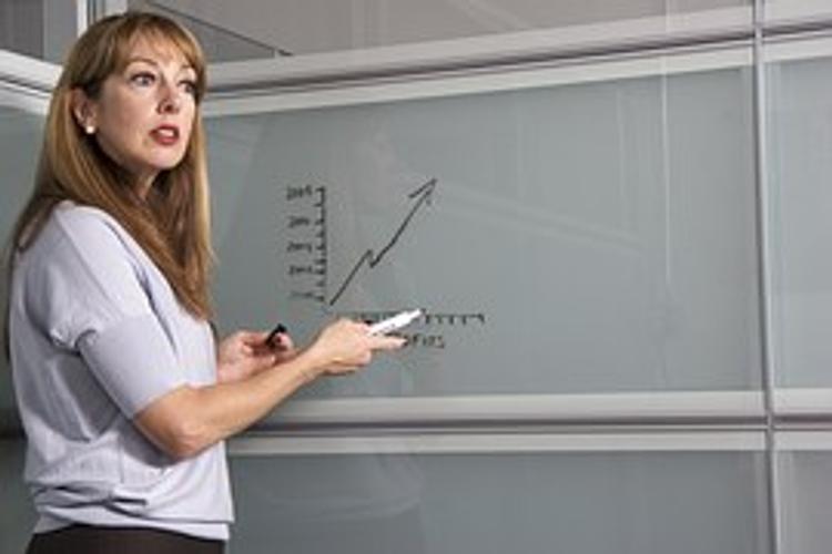 Минобрнауки проверит информацию о несоответствии реальных зарплат учителей