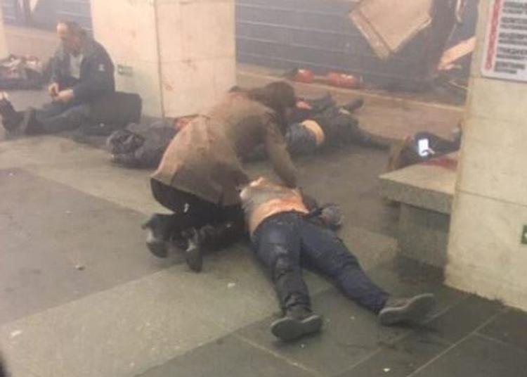 Теракт в метро Санкт-Петербурга мог совершить смертник