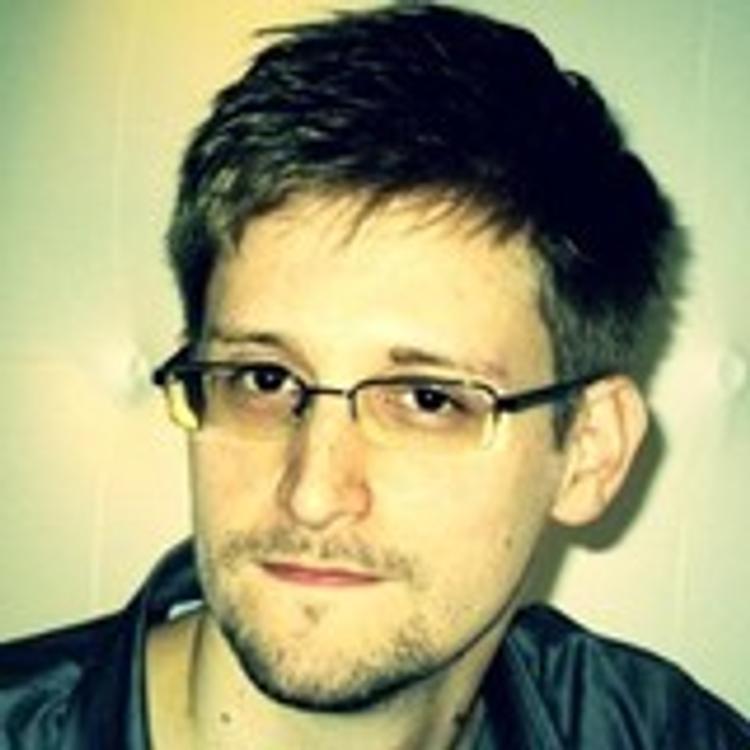 Сноуден призвал журналистов не писать об организаторах взрыва в метро Петербурга