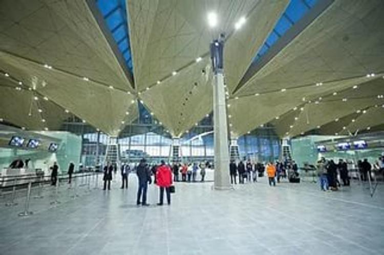 Мать предполагаемого террориста, устроившего взрыв, прилетела в Петербург