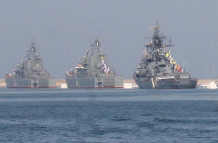 В Каспийском море начались учебные стрельбы кораблей ВМФ России
