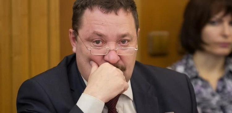 Екатеринбургского депутата вызвали на допрос в Киев
