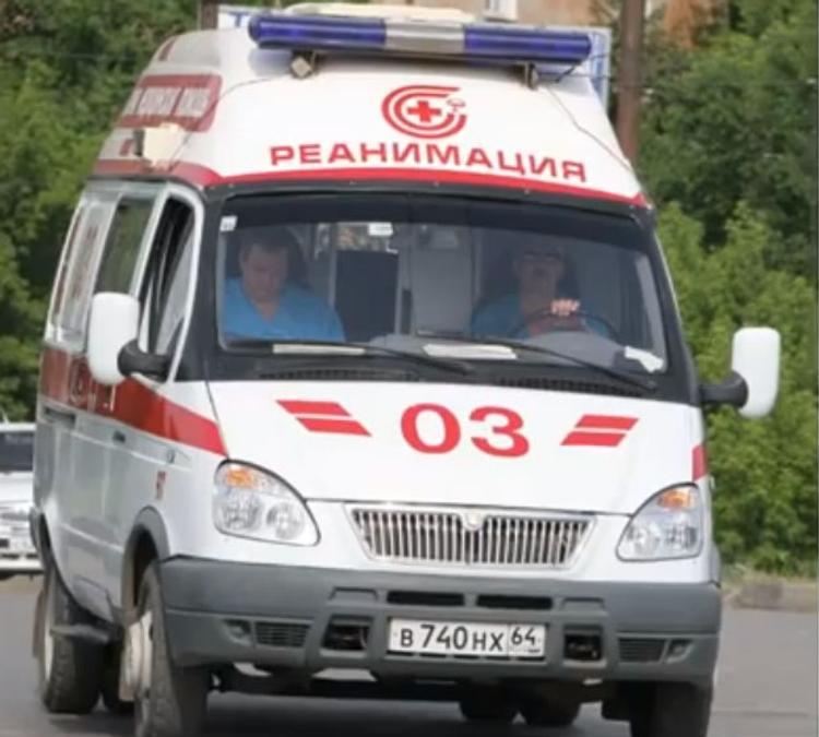 С траурной акции в Петербурге на скорой увезли двух человек