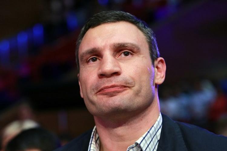 СМИ: киевляне собирают подписи за отставку Кличко