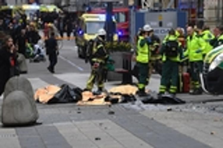 В грузовике, наехавшем на людей в Стокгольме, нашли взрывчатку