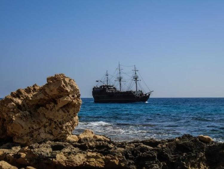 Сомалийские пираты захватили сухогруз