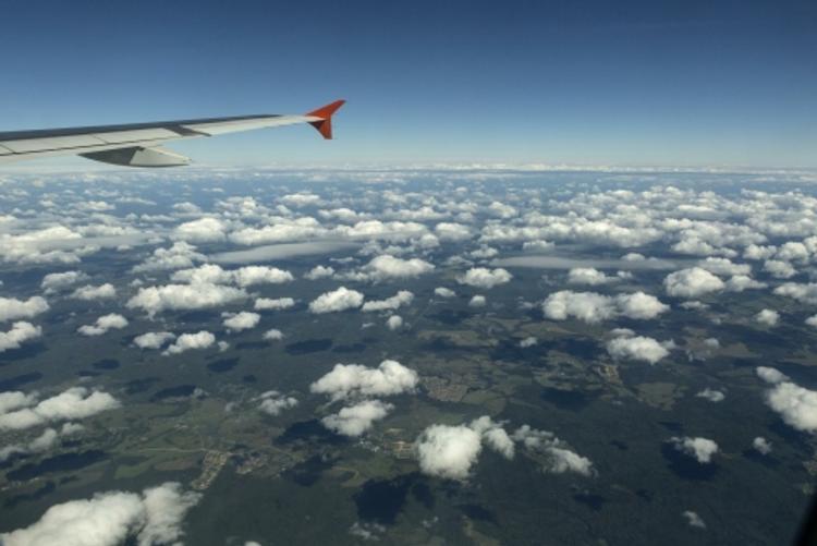Женщина родила малыша прямо в самолете (ФОТО)