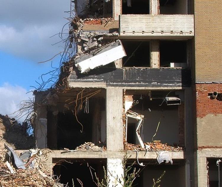 Зато как погуляли: португальские школьники разнесли отель
