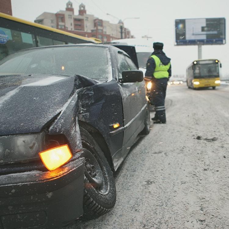 В страшной аварии с бензовозом погибла семья с ребенком (ВИДЕО +18)