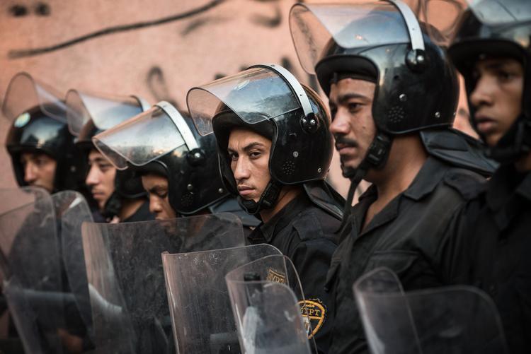 Президент Египта приказал развернуть войска по всей стране после серии терактов