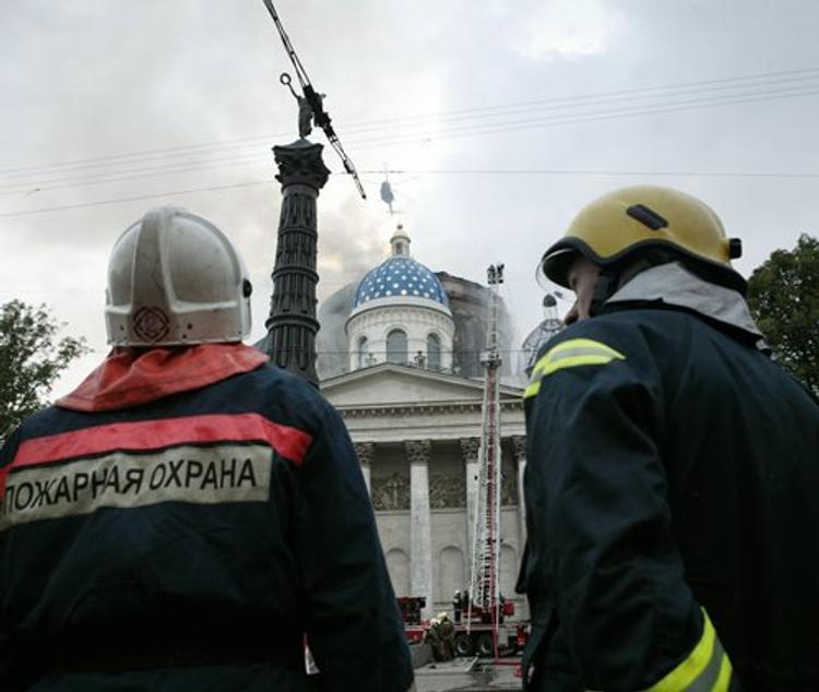 В Казани горит Храм всех религий