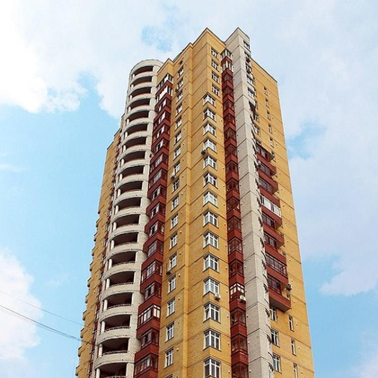 В Тюмени подросток сорвался с 20 этажа при попытке сделать селфи