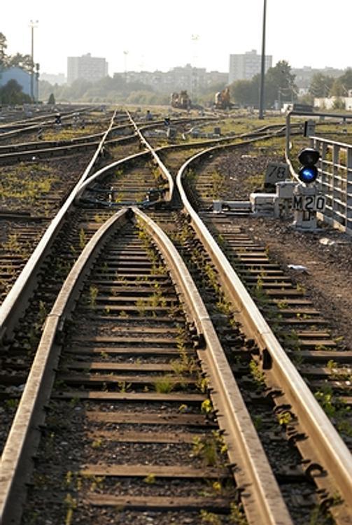 Задержаны мужчины, которые пытались похитить железнодорожные рельсы