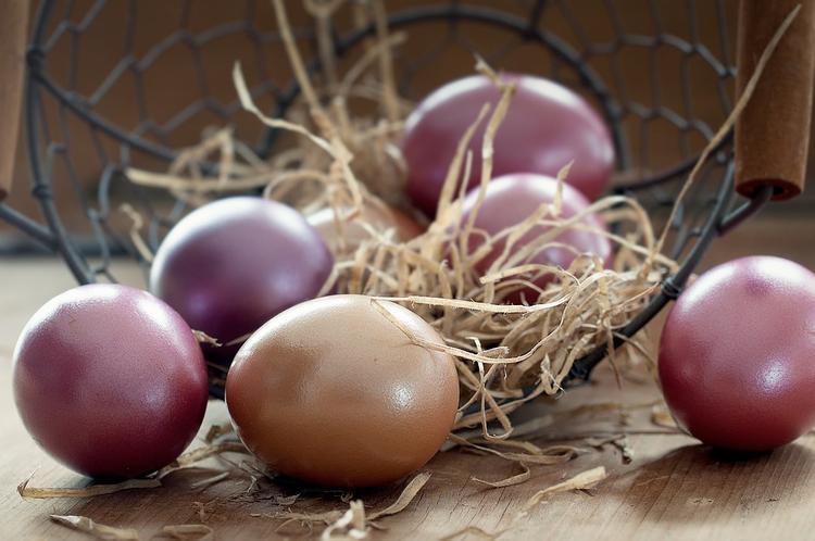 Набор пасхальных продуктов на Украине за год подорожал на 27%