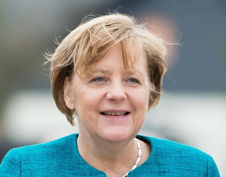 Немецкие спецслужбы обиделись на Ангелу Меркель