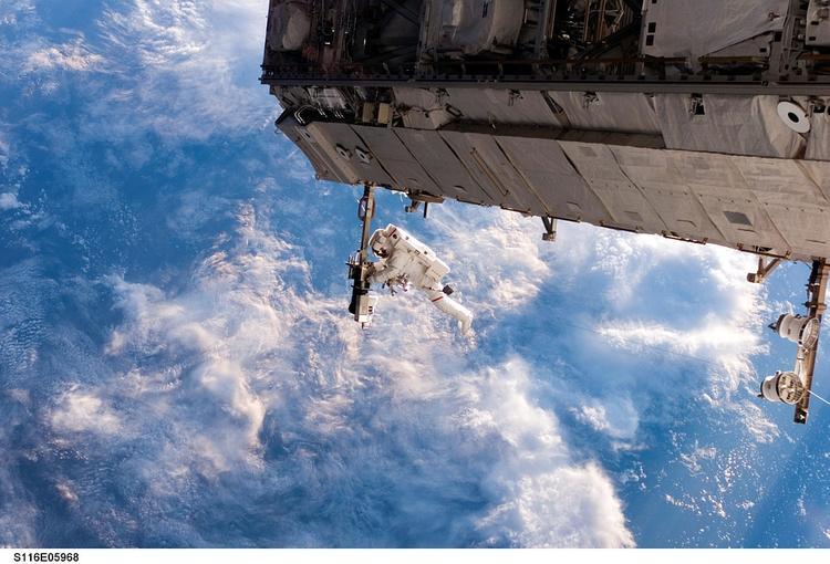 На Байконуре установлена ракета, на которой экипаж отправится к МКС