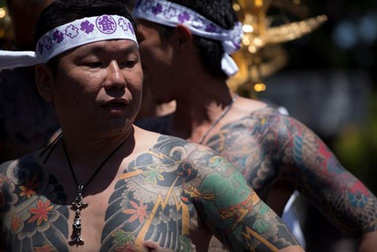 В Японии началась война кланов якудза, полиция проводит задержания и обыски