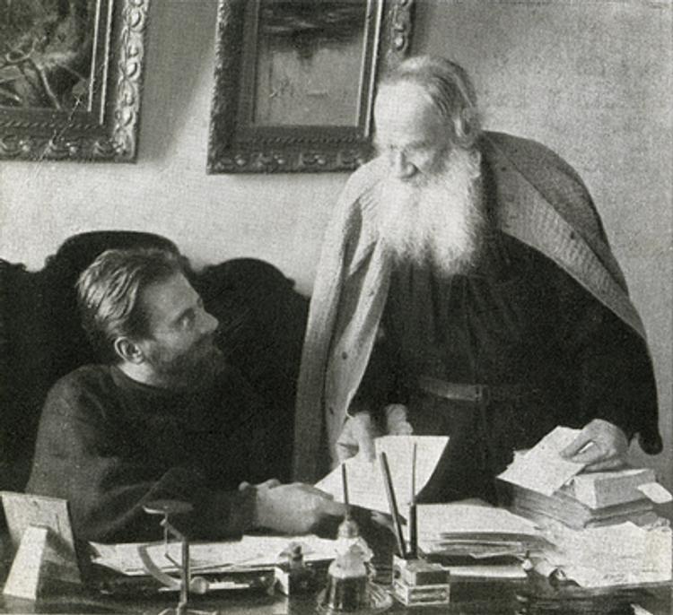 История одного скандала, или голые коленки Льва Толстого