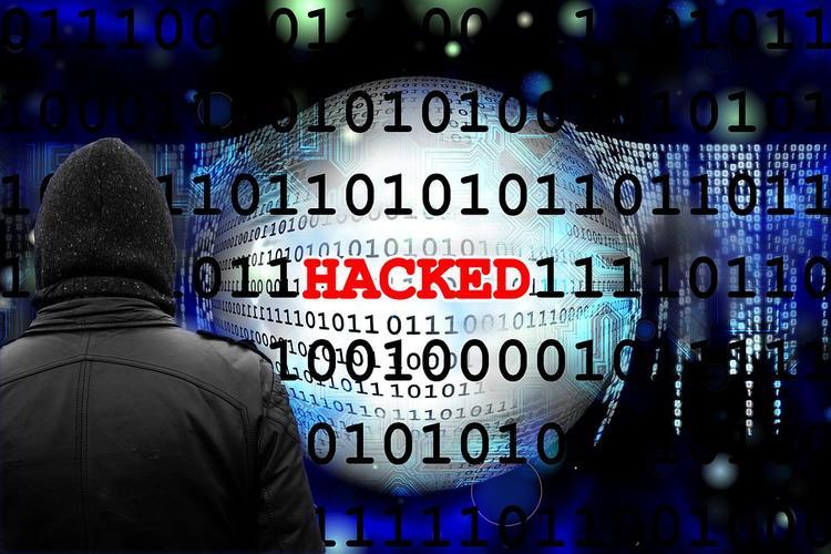 Сайт Порошенко подвергся атаке после заявлений о блокировке российских сервисов