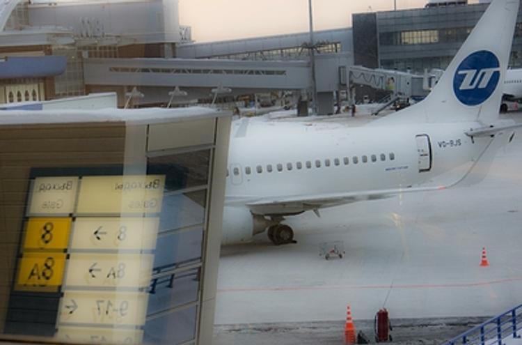 В столичных аэрогаванях из-за порывистого ветра отменяют и задерживают рейсы