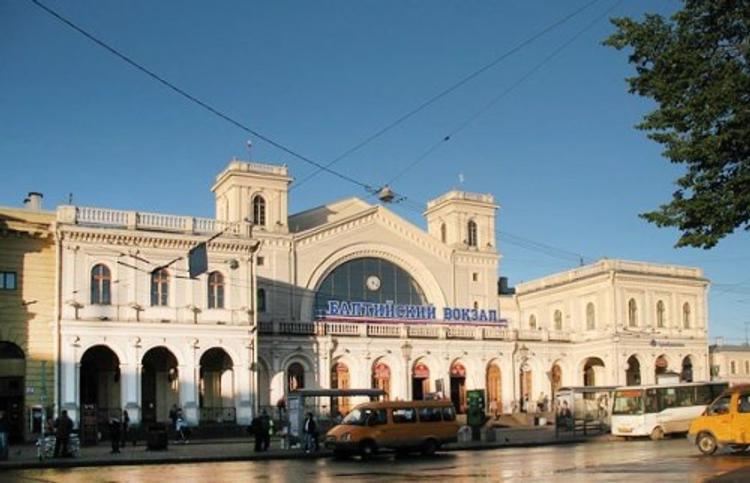 Балтийский вокзал в Петербурге эвакуируют из-за подозрительного предмета