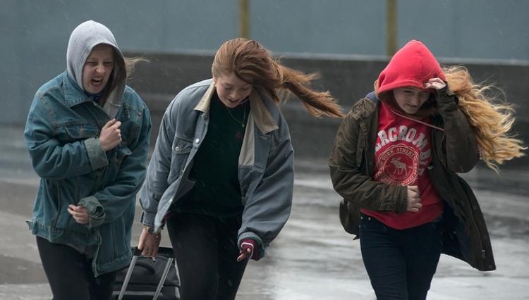 Угроза урагана миновала Москву, но желтый уровень опасности сохраняется