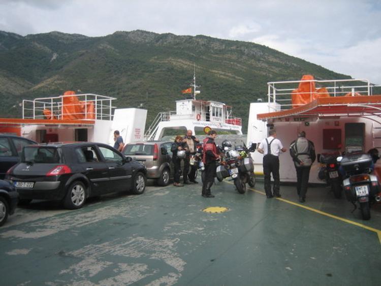 Черногория закрыла  въезд в страну 149 гражданам РФ и Украины