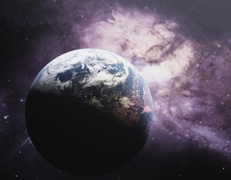 Ученые: Земля постепенно удаляется от Солнца