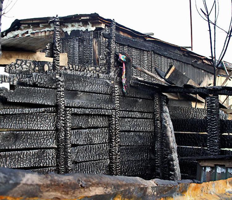 В Волгоградской области при пожаре погибли трое малолетних детей