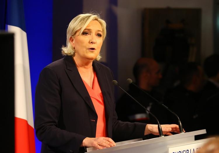 Ле Пен призвала Макрона созвать новую Ялтинскую конференцию