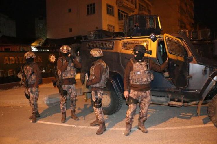 Турецкая полиция расстреляла гей-парад в Стамбуле