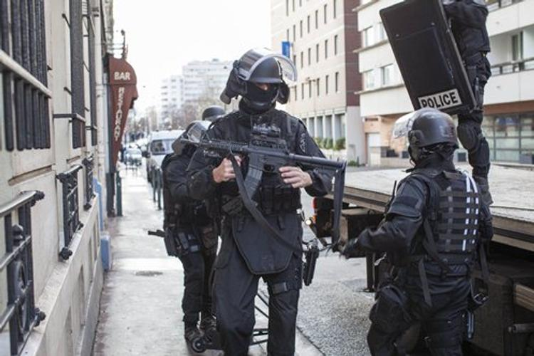 Наезд на толпу в Париже: полиция успела обезвредить террориста