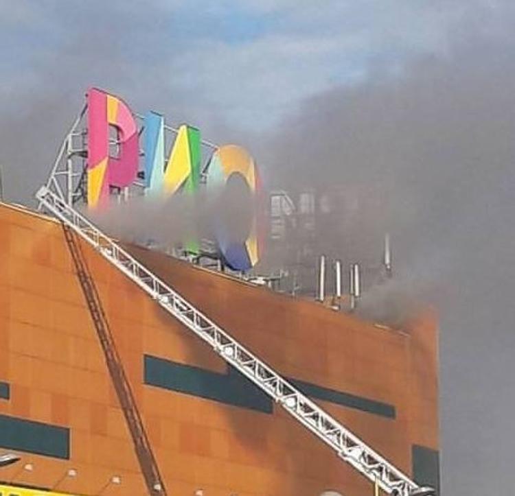 Мародеры пытались растащить уцелевшие товары в сгоревшем ТЦ «РИО»
