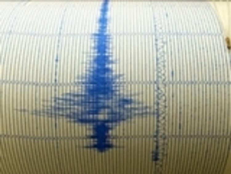 Сильное землетрясение  в ночь на пятницу произошло в Турции и Греции