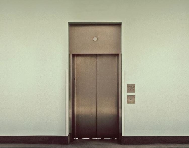 Вступили в действие новые правила использования лифтов