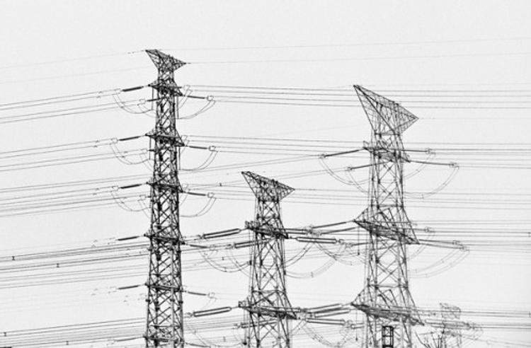 Российские поставки электроэнергии в Китай приостановлены из-за аварии