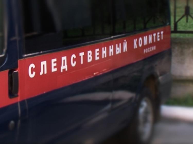 В Ульяновске школьник мыл окна в школе и выпал наружу
