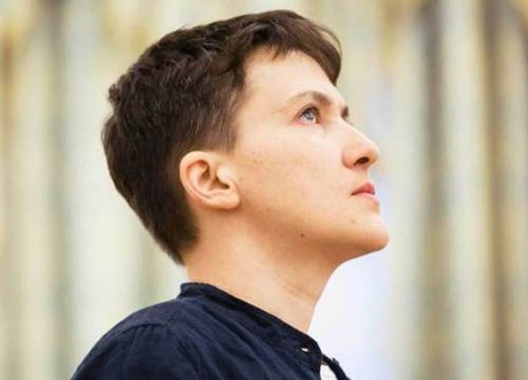 Надежда Савченко призналась, что оказывала эротические услуги по телефону